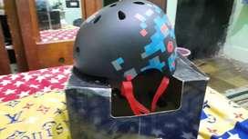 Helm sepeda merk poLygon