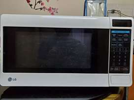 23 Ltr solo LG microwave oven for sale
