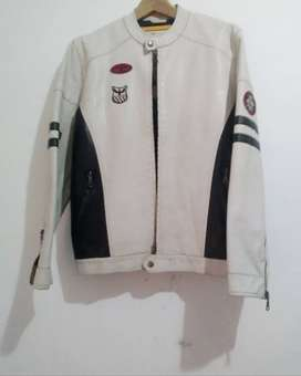 Ongkiiirr3 Free2 __ COD- Jaket white kulit white kece size m pjg murah