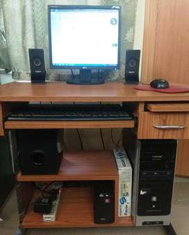 Disktop Computer with Sound System for sale at Cheapest pricee
