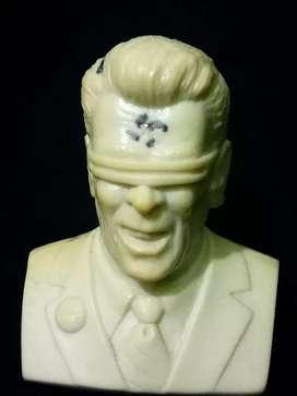 Ronal Reagan statue, Kozik X KidRobot.anime