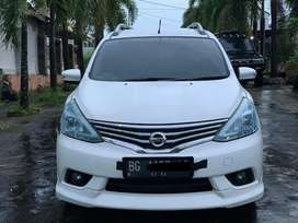 Dp 17 juta Grand Livina HWS 2014 matic istimewa boss #avanza