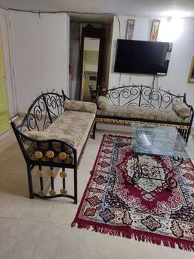 Drawing room furniture sofa set with centre table and carpet