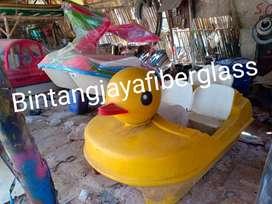sepeda air bebek,wahana air bebek murah,jual perahu air ready stok