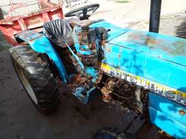 Tractor Mitsubishi 250 with jack trolly 1992 model, 2001 import