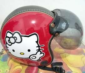 Helm bogo gambar Hello Kitty