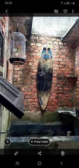 Di jual papan selancar / surfing