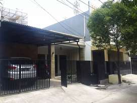 Di Jual Rumah Tinggal Cantik plus Kos-kosan di Cempaka Putih Jakarta