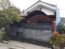 rumah siap huni dibekasi villa gading harapan pintu barat