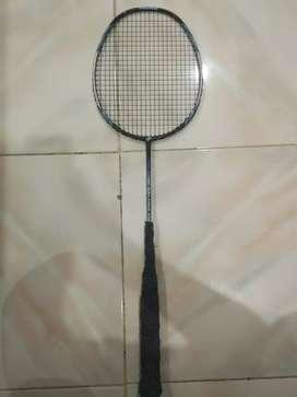 Dijual raket badminton