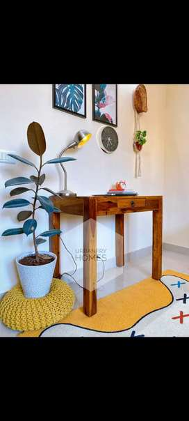Study Table in Sheesham Wood.Basic design and perfect for small space.