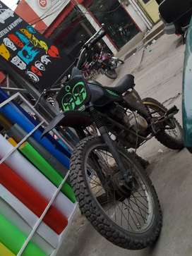 Trail bike Yamaha DT