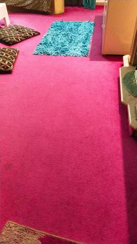 Carpet in pink shade for kids negotiable