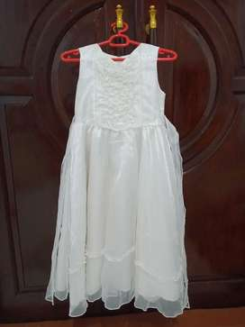 Dress anak  baru 2 x pakai