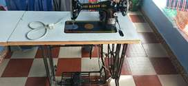 Sewing machine super new condition  manow tailor modal with motor