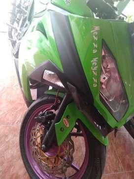 Di jual ninja 250cc ijeksi plat AB kulon progo warna hijau full peper