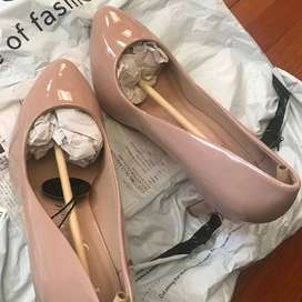 BRAND NEW NUDE PATENT HEELS FROM NEW LOOK SIZE 38 (WIDE FIT)