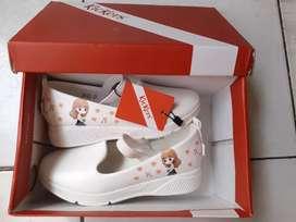 Sepatu kickers ori anak