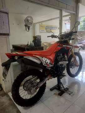 Bali dharma motor/jual Honda CRF 150cc,thn 2018