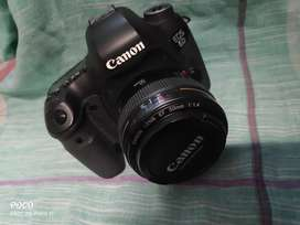 Canon EOS 6d full frame camera in new condition with 50mm 1.4 lens