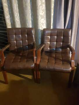 One time used 6 Chairs, selling coz of posting