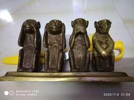 Brass monkeys 4