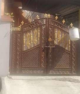 Main gate sell karna hai