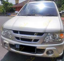Isuzu Panther Grand New touring tahun 2005