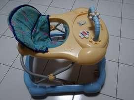 Dijual baby walker merk family