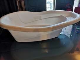 Baby bath tub for new born and toddlers