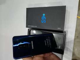 {>} Hlo selling my new galaxy phone awesome model selling s9plus sell