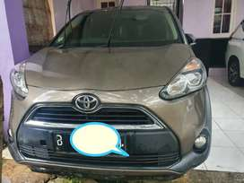 Mobil Toyota Sienta Matic 2017