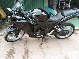 Honda cbr 250 cc , th 2012 mesin ok surat lengkap