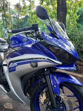 Dijual yamaha R25 warna biru tahun 2017