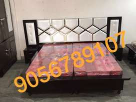 Bed 9foot back brandnew Classy Trendy Mattress and Delivery free hurry