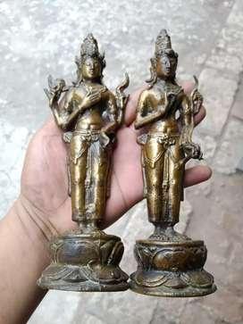 Sepasang patung dewa kuno barang Kuningan tua