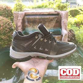 Sepatu gunung Beckham kulit terbaru