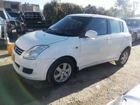 Selling Suzuki Swift 2010 - Manual
