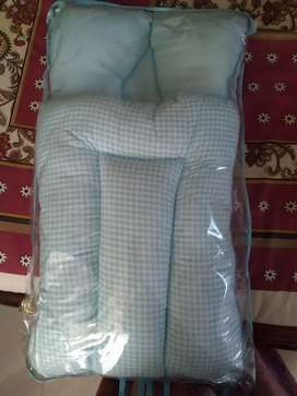 New born sleeping bag/carrier