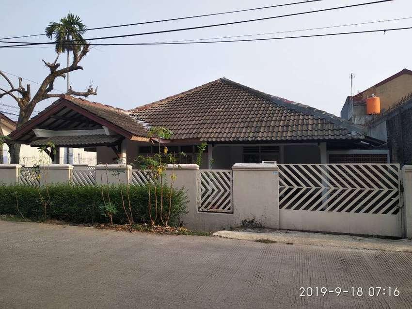 Dijual Rumah huk di jalan utama Perumahan Reni Jaya 0