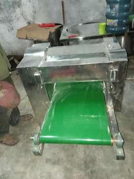 Mesin Pemipih Adonan dan Pencetak Mie