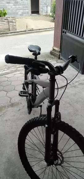 Sepedah MTB Poniex