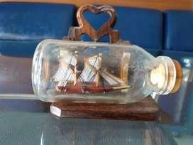 Pajangan Kapal dalam Botol (Kecil)