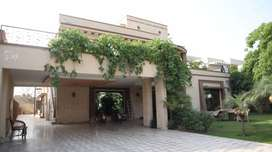 2 kanal luxurious house in Valancia town, Lahore
