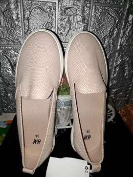 Sepatu H&M size 36
