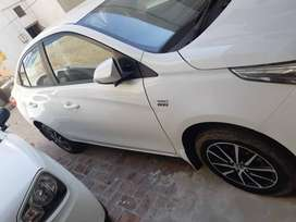 Toyota Yaris full option 1.3 allow rim