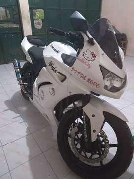 Ninja 250 warna putih jual apa adanya