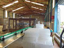 Complete Bottling plant with 280 bpm automatic machine line, RO plant