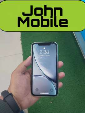 iPhone XR (128) ONLY 2 MONTHS USED NEW CONDITION