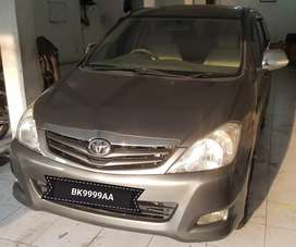 Toyota Innova 2010 G M/T 2.0